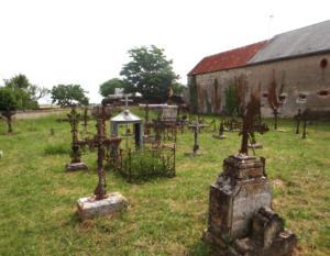 10- Cimetière de la chapelle du Villers de La Chapelle-Saint-Martin-en-Plaine (cliché Alexandra Mignot)