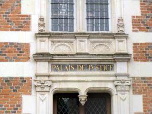 06-  Ancien palais de justice, place du Château (Cliché Alexandra Mignot)